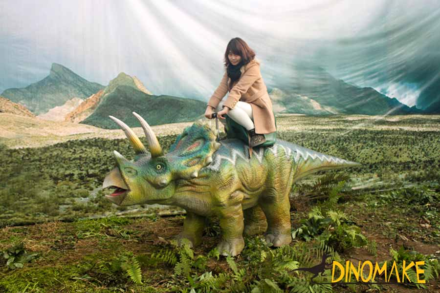 Triceratops ride