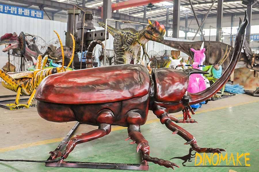 Animatronic beetles right side