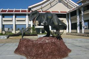 Animatronic Allosaurus for museum