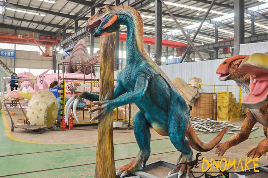 Animatronic Therizinosaurus