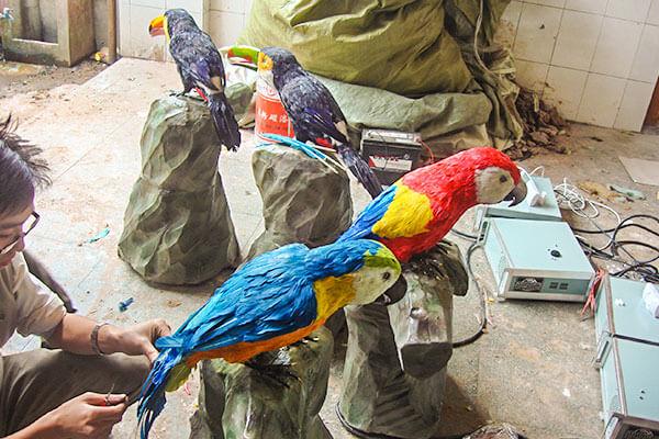 Animatronic parrot