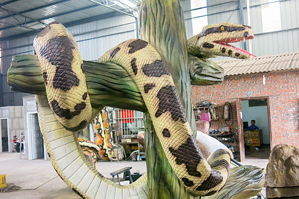 animatronic snake for theme park