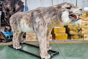 Saber-toothed tiger animatronic