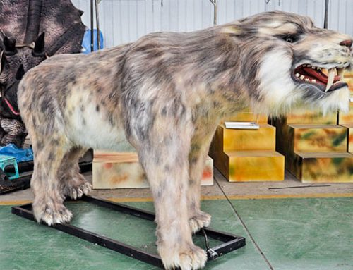 Animatronic Saber-toothed Tiger