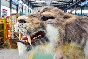 Saber-toothed tiger robotic