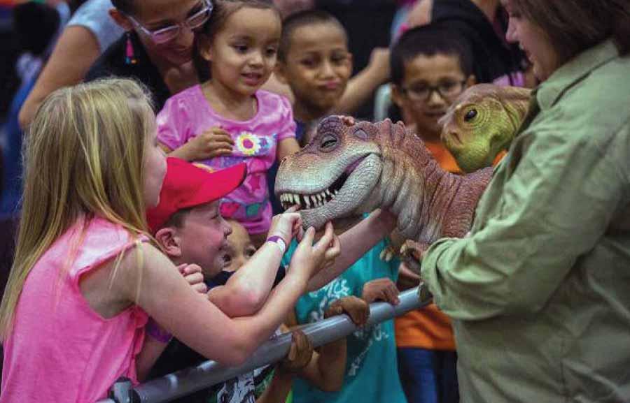 dinosaur-puppet