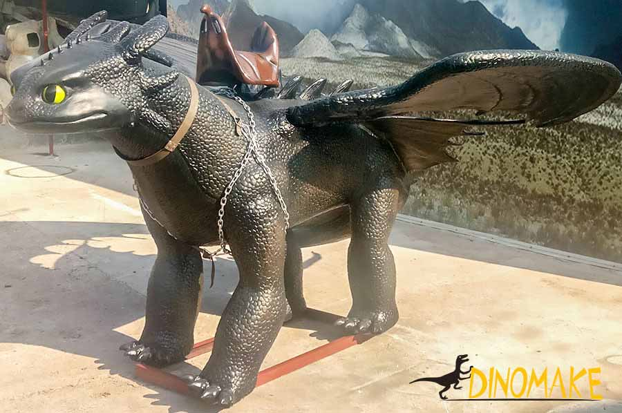 Animatronic toothless dragon left