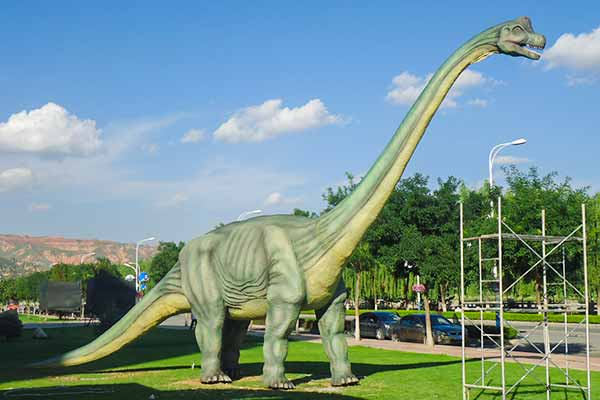 Animatronic Brachiosaurus