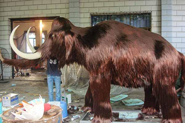 Animatronic Mammoth