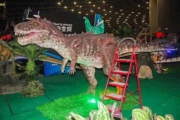 Carnotaurus ride