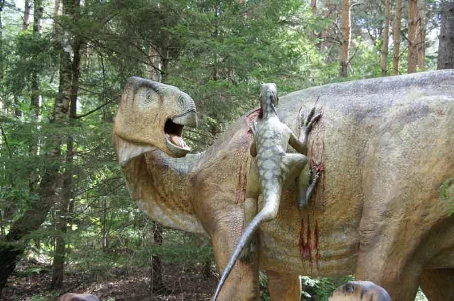 Iguanodon-statue