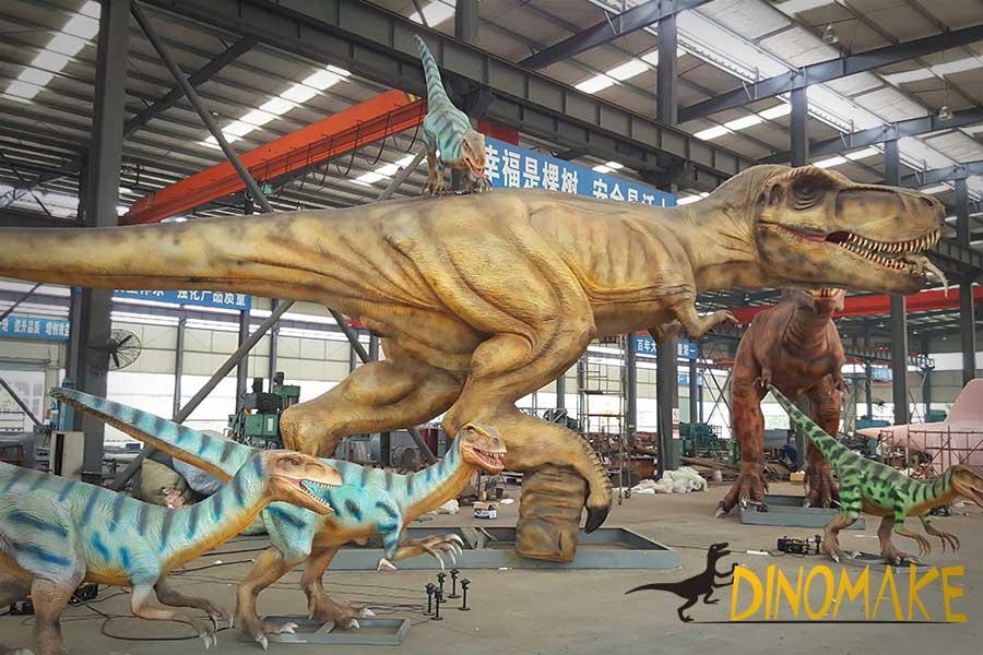 Animatronic T-rex Vs Velociraptors