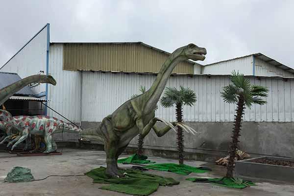 animatronic Therizinosaurus