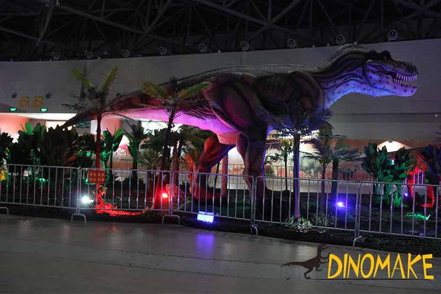 dinosauir-exhibition-at-night