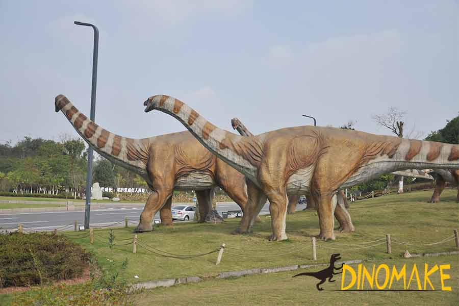 A group of Omeisaurus