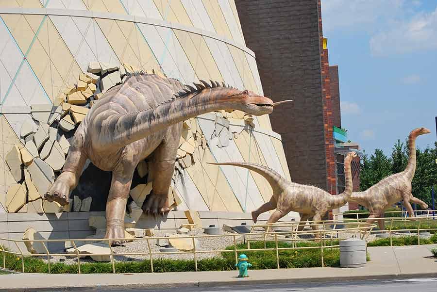 Diplodocus statue