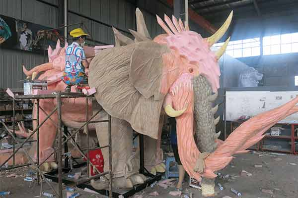 elephant-animatronic-on-skin-grafting