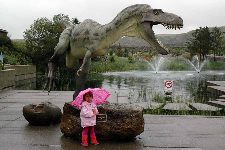 fiberglass-allosaurus-nearby-a-poor