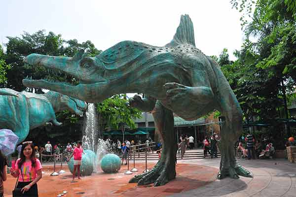 fiberglass-dinosaur-for-water-park