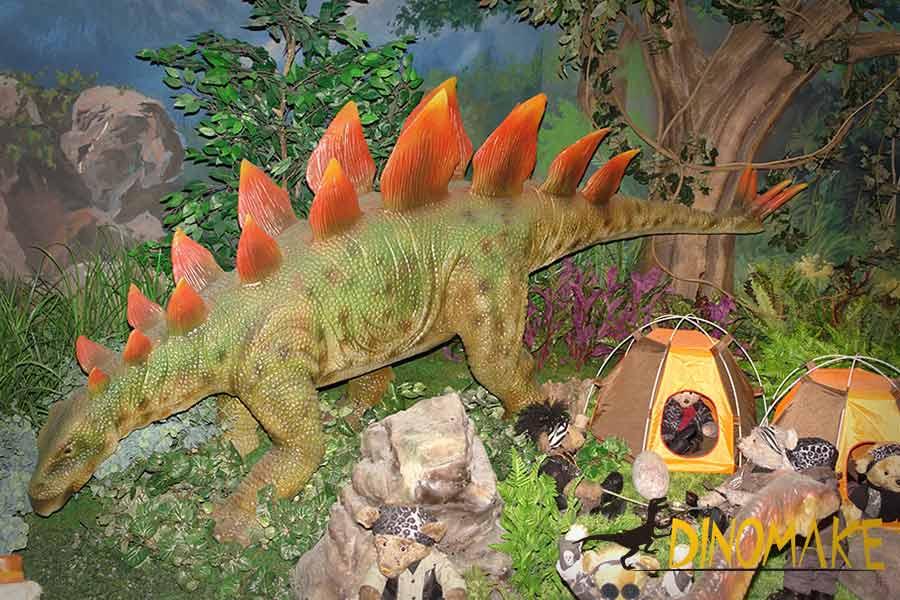 stegosaurus-with-teddy-bears