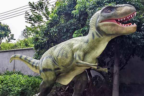 t-rex-statue