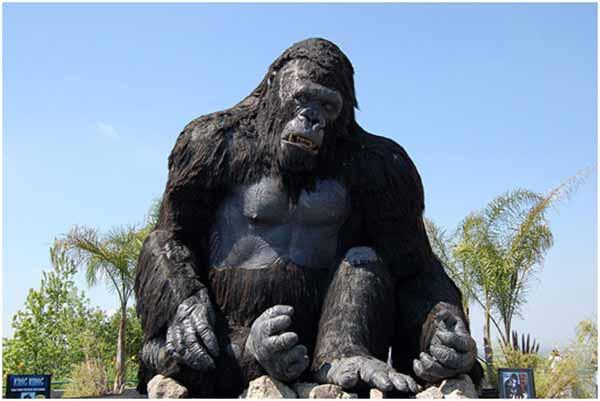 Giant animatronic gorilla--kingkong