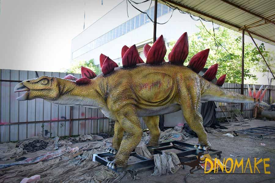 Stegosaurus animatronic