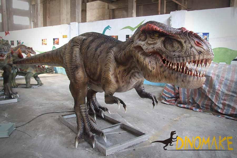 realistic dinosaur statue