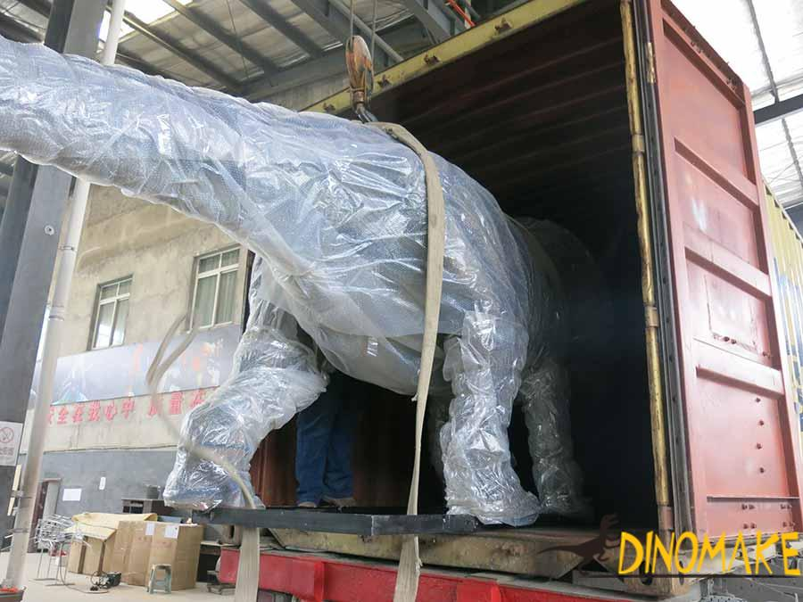 aniamtronic dinosaur for shipping (1)