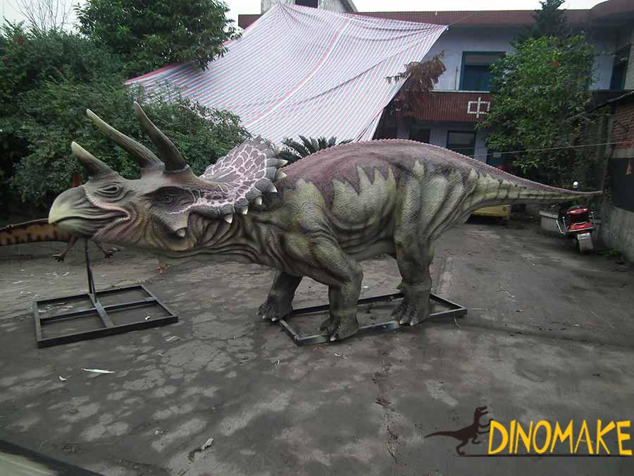 animatronic triceratops model