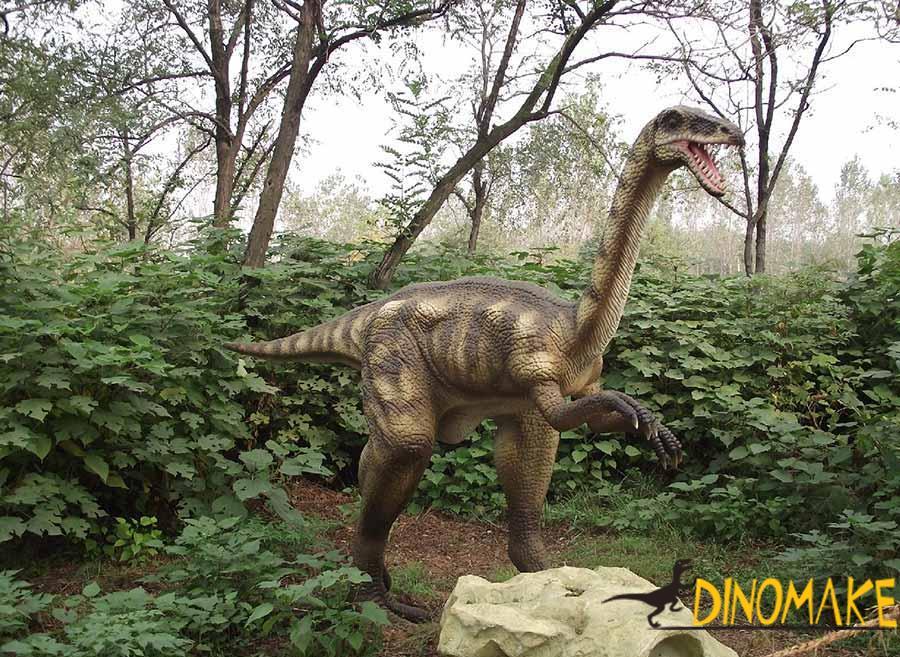 outdoor-dinosaur-sculpture