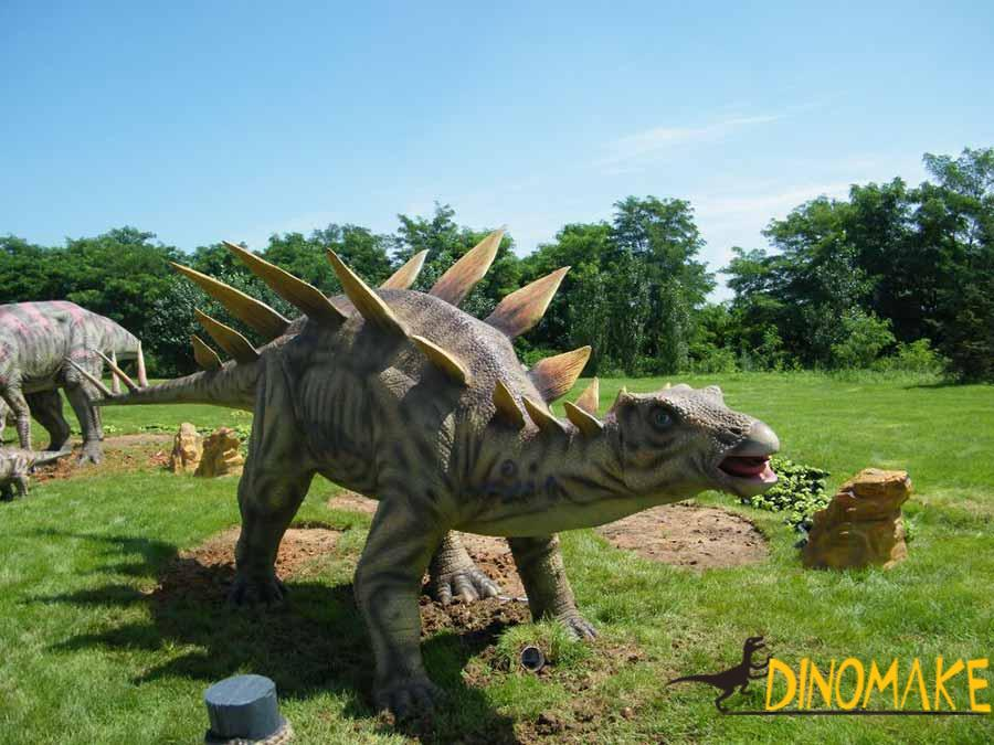 outdoor dinosaur statue