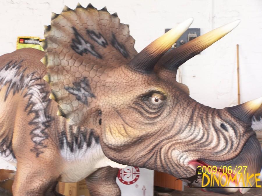 Animatronic Dinosaur Triceratops in Canada