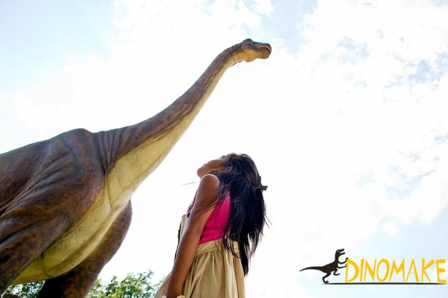 Animatronic Dinosaur Poseidon Dragon to Brazil
