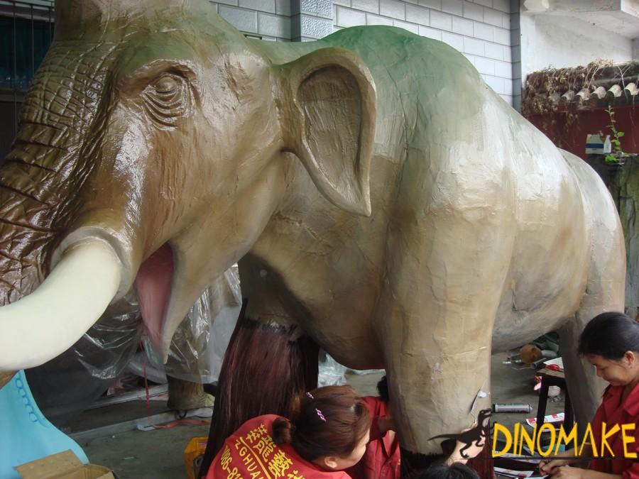 Animatronic animal-elephant