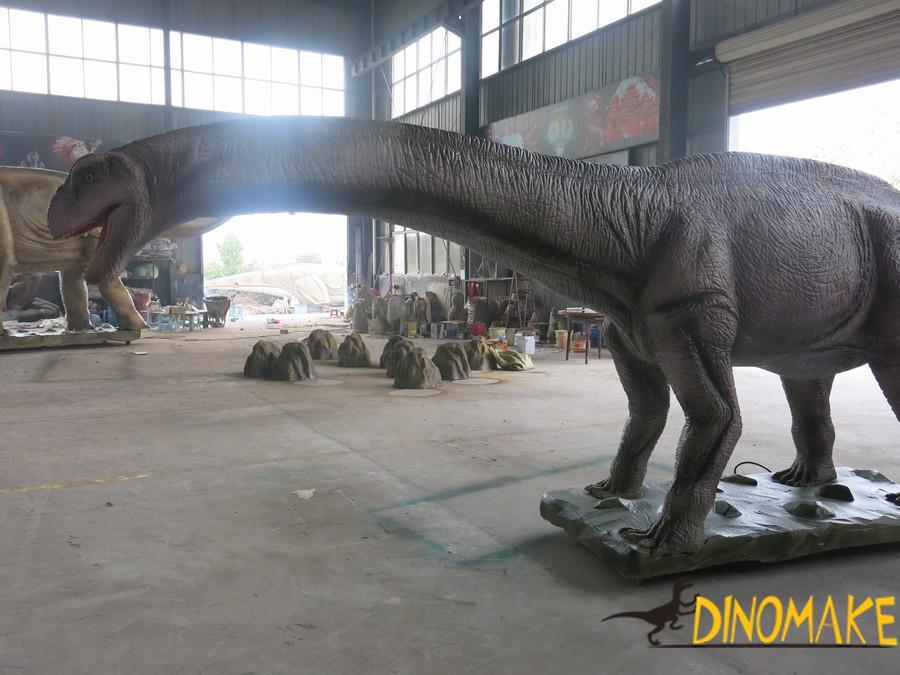 Animatronic dinosaur product Patagonia dragons