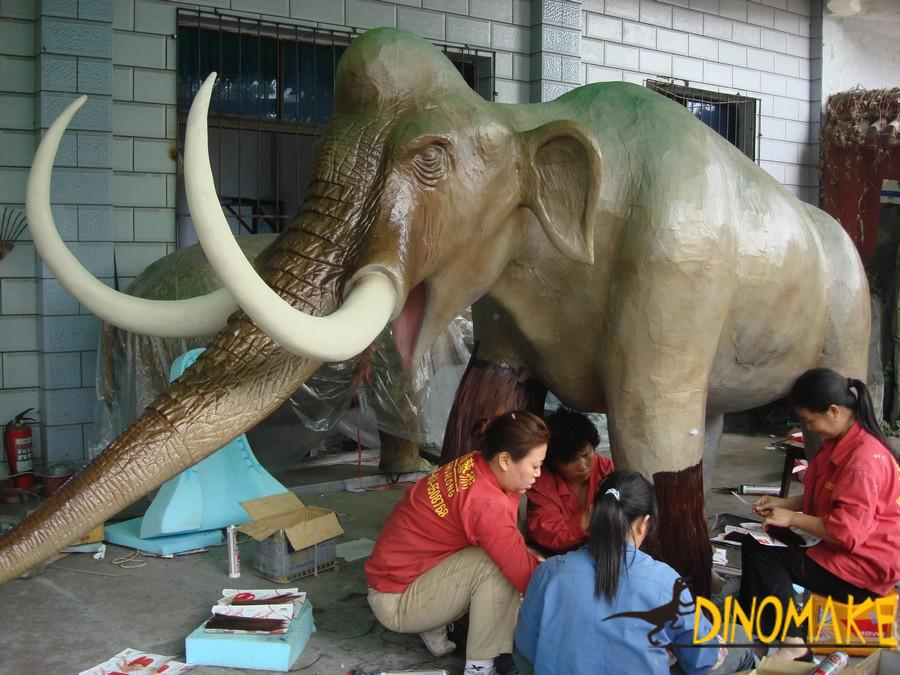Animatronic dinosaurs model customization