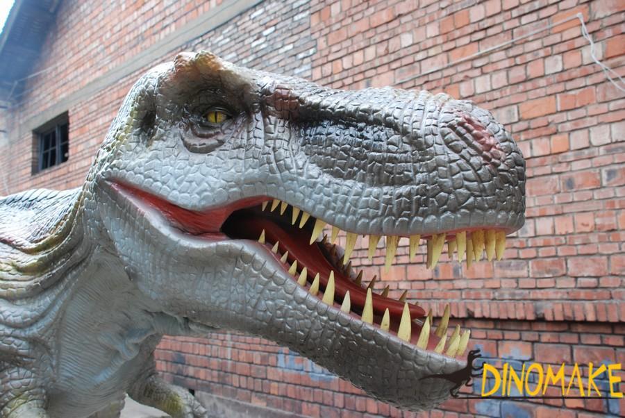 Electromechanical Animatronic dinosaur