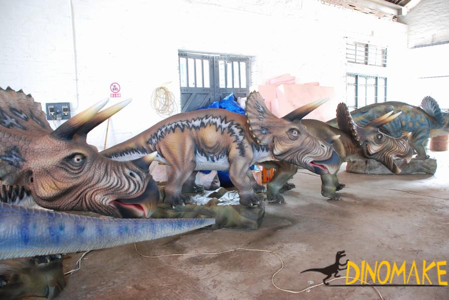 Life-size animated dinosaur triceratops