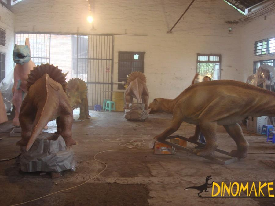 Life-size mechanical Animatronic dinosaur robot