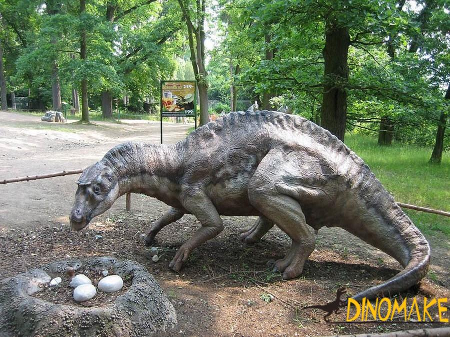 Portuguese customers have customized a set of animatronic dinosaur