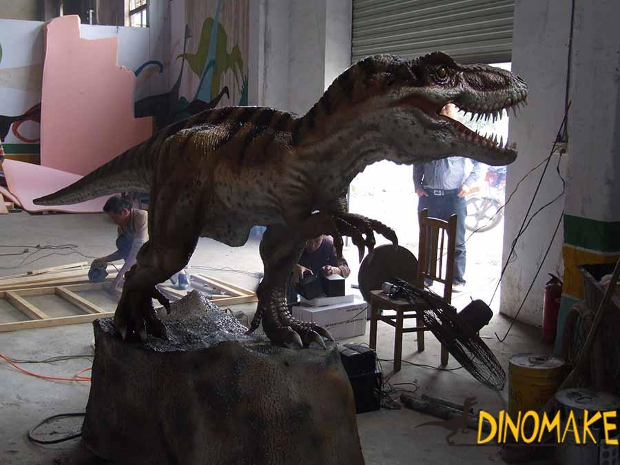 animatronic t-re x dinosaur