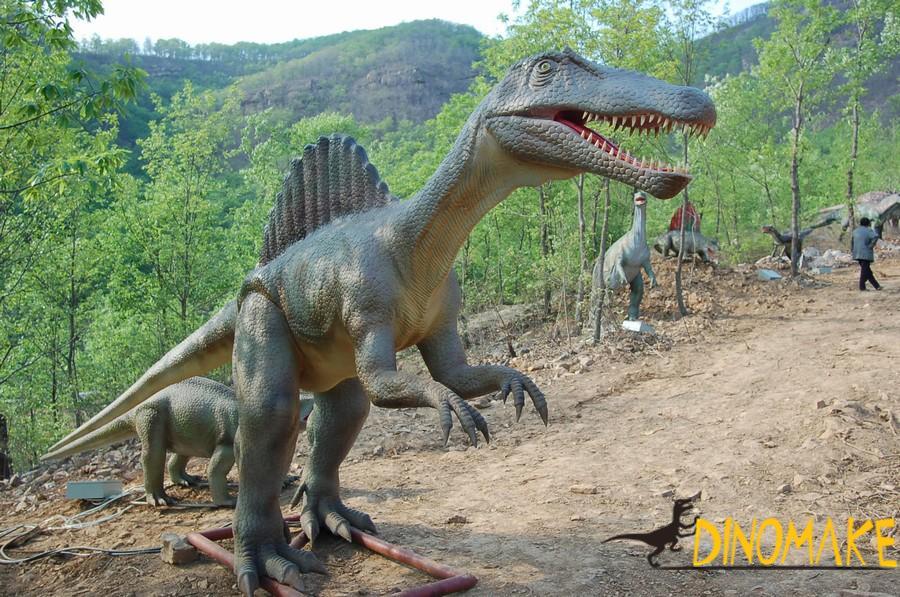 large Animatronic dinosaur models