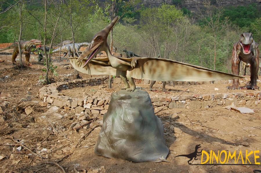 large Animatronic dinosaurs