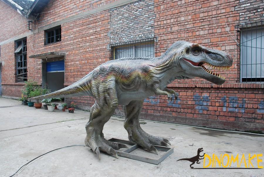 life-size Animatronic dinosaur T-rex