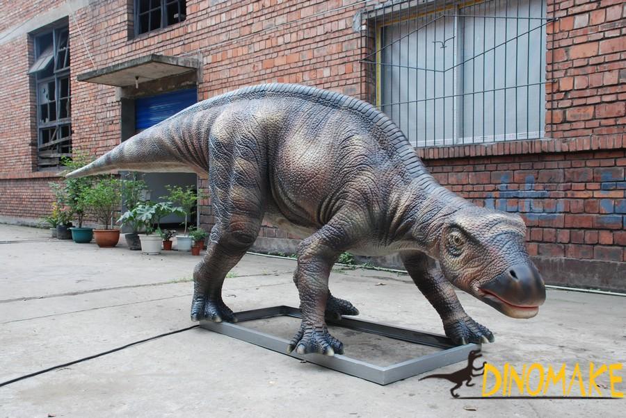 life-size Animatronic dinosaurs