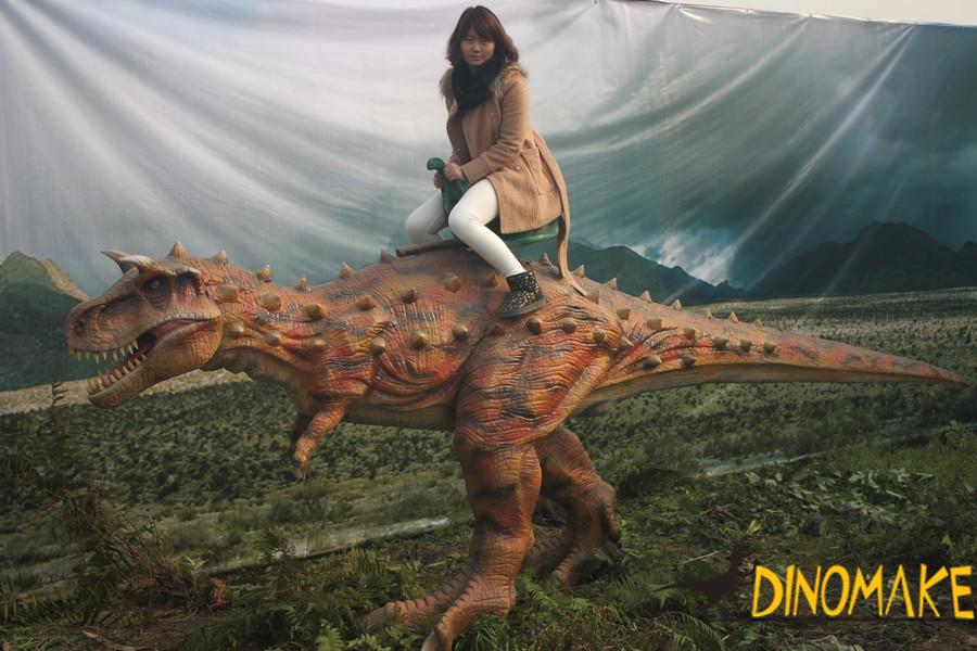 2019 animatronic Triceratops costumes walking in four legs