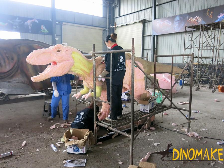 A group of Animatronic dinosaur Costume for sale at factory prices