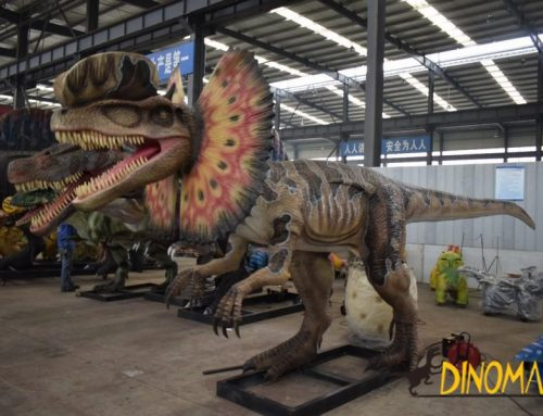 High Aniamtronic Dinosaur Dilophosaurus Model in Theme Park
