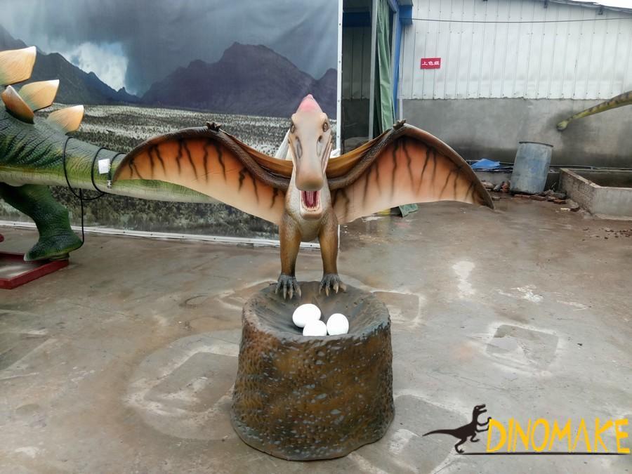 Animatronic dinosaurs pterosaur model
